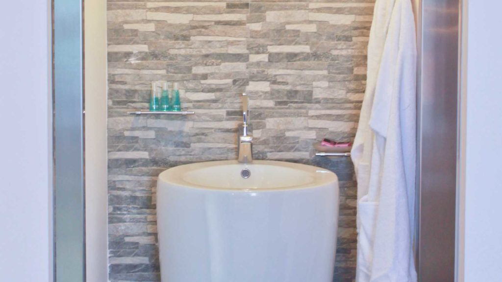Junior Suite Bathroom - Porto Kalamaki Chania Crete