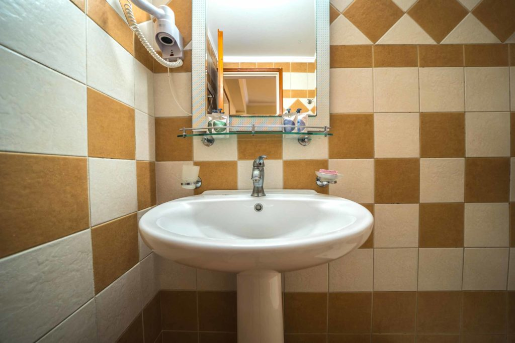 Bathroom Apartment - Porto Kalamaki Hotel Chania
